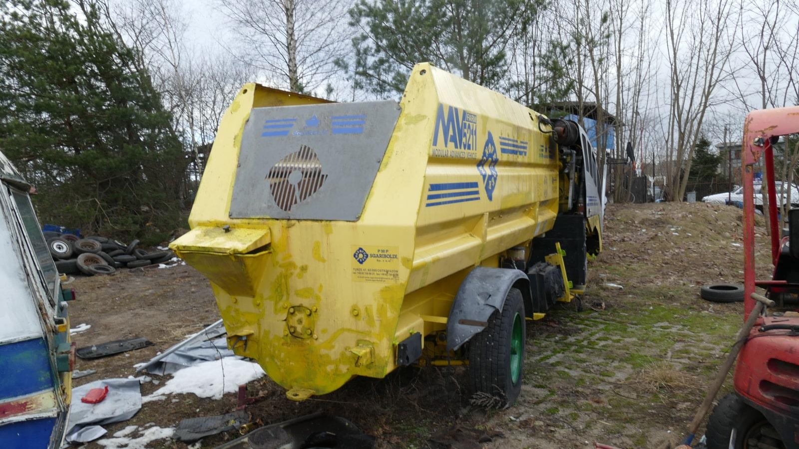 P1030387-min